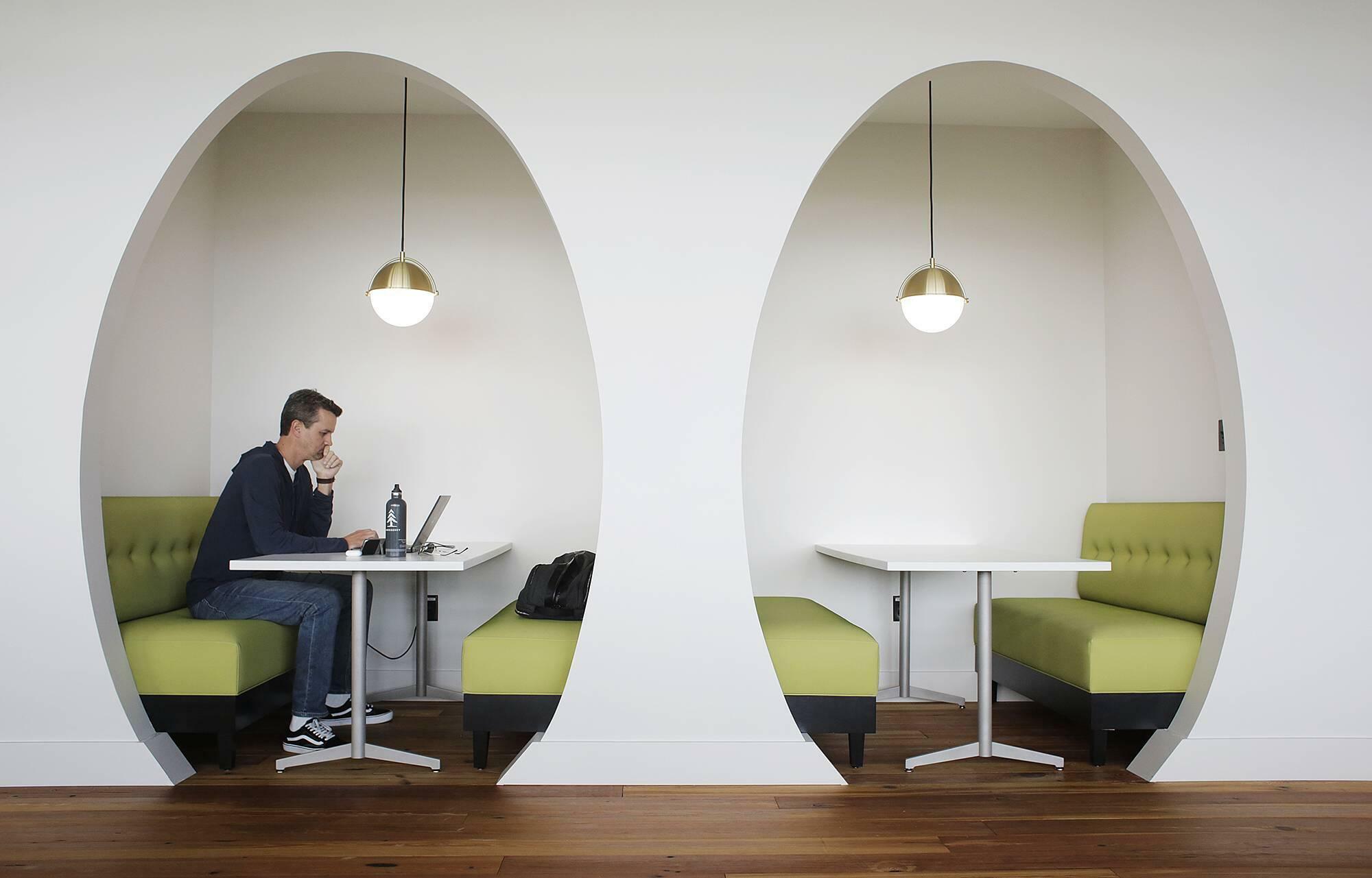Schones Buro Warum Ein Angenehmer Arbeitsplatz So Wichtig Ist